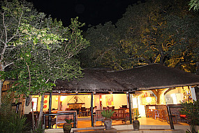 Bar & Clubhouse